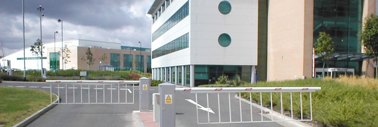 SSB7000-Security-Solutions-Automatic-Rising-Arm-Barrier